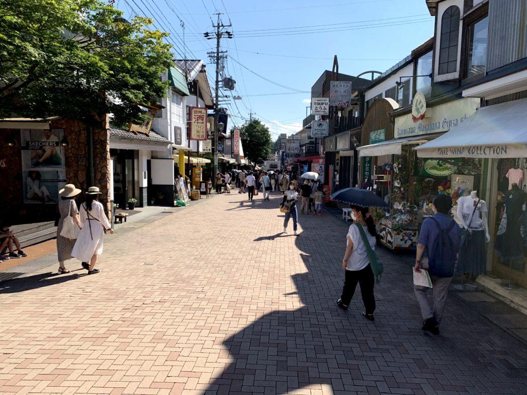 おしゃれな通り「旧軽井沢商店街」