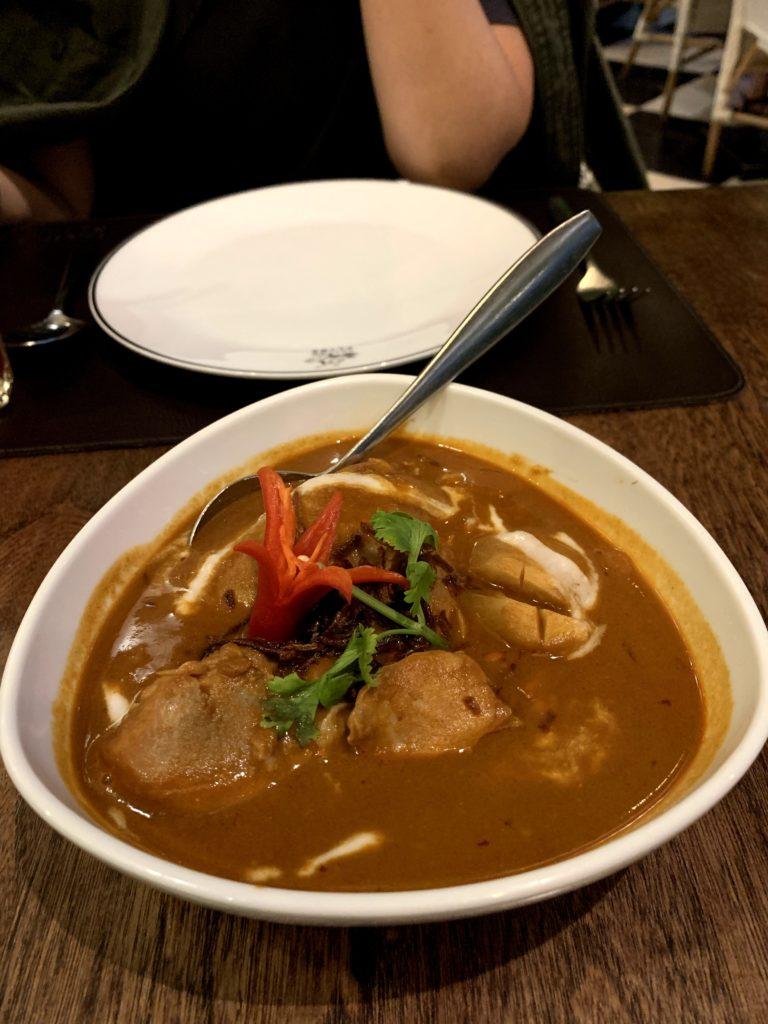 おしゃれな伝統的タイ料理の店!タリンプリン2