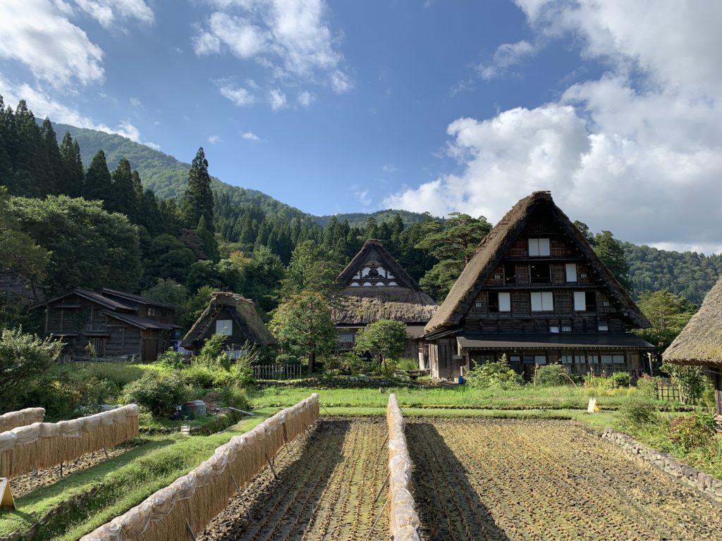 世界遺産の合掌造り集落「白川郷」の魅力