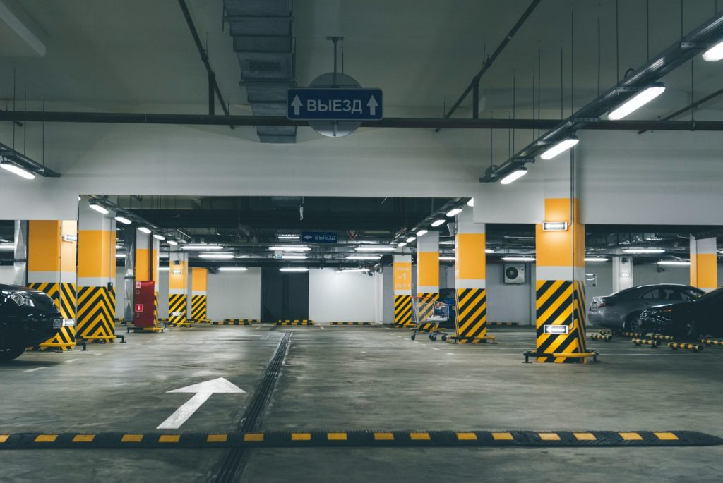 駐車場事情は要注意!これだけで選べる車が決まる?