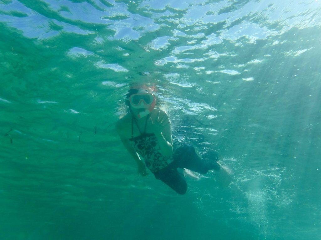 川平湾をSUPで周遊しながらシュノーケリングを楽しむアクティビティ5