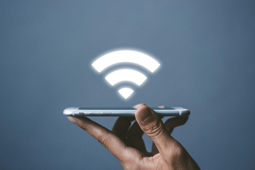 海外で安心してインターネットを利用する方法