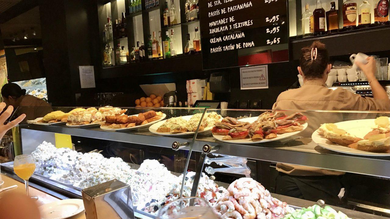 バルセロナのバルのカウンター