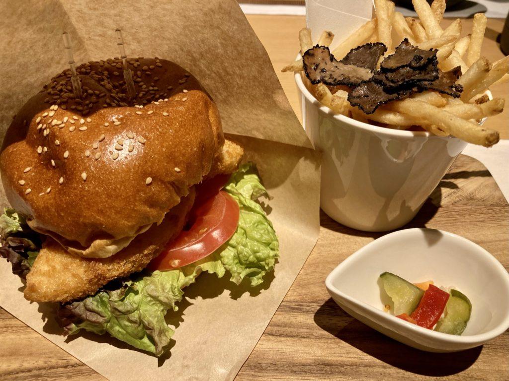 リッツカールトン京都のインルームダイニングハンバーガー
