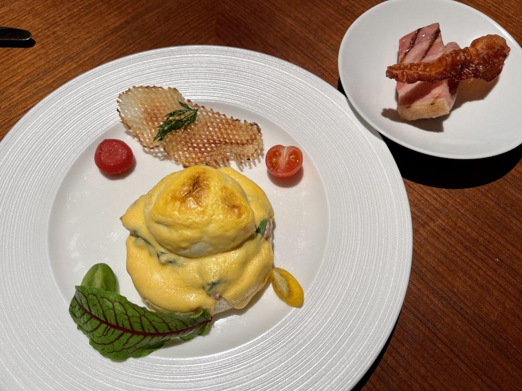 リッツカールトン京都朝食のエッグベネディクト