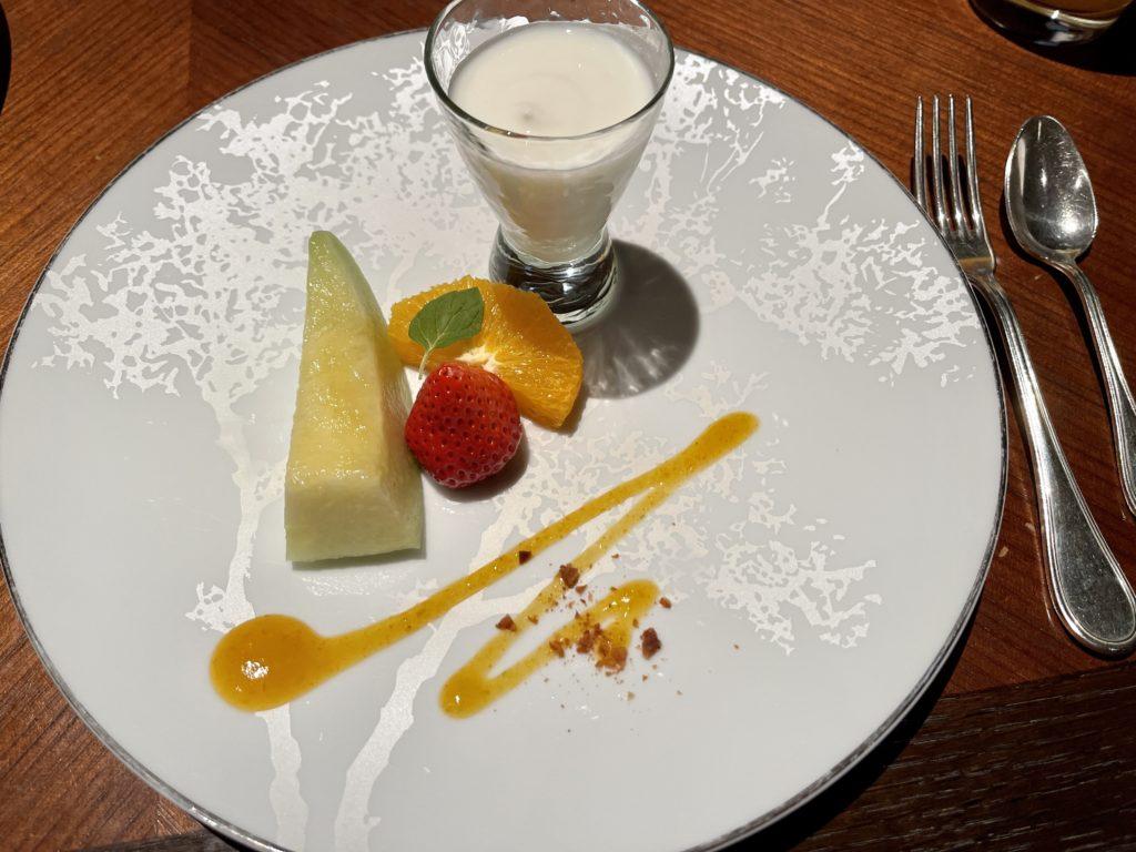 リッツカールトン京都朝食後のフルーツ