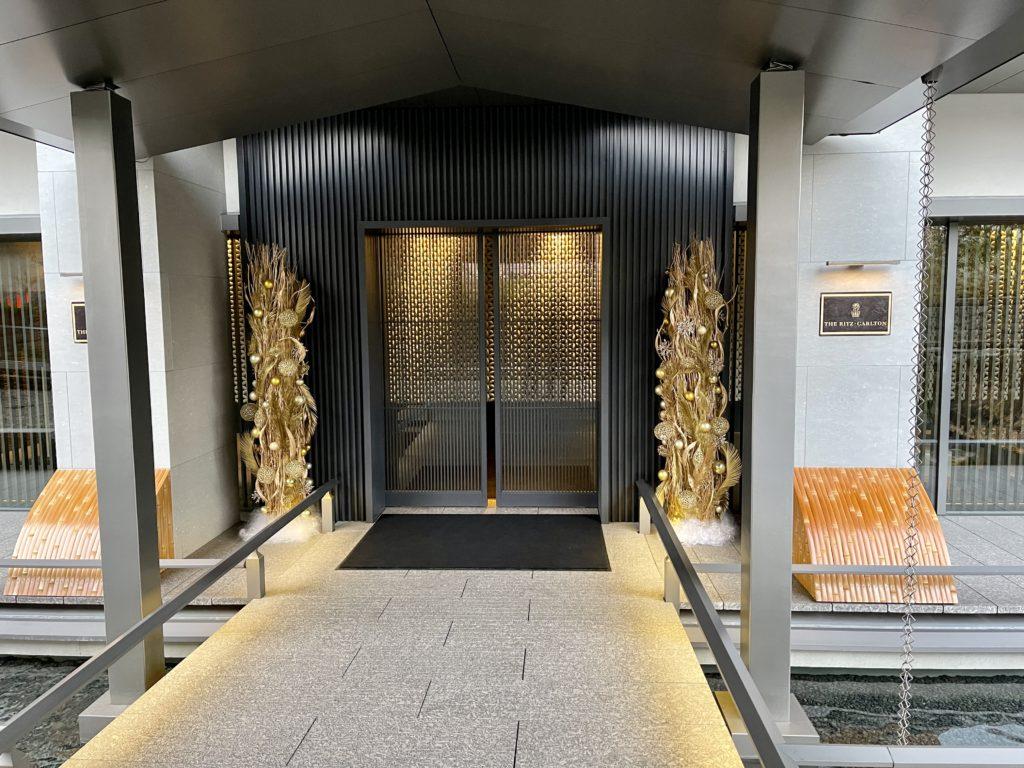 ザ・リッツ・カールトン京都の入り口