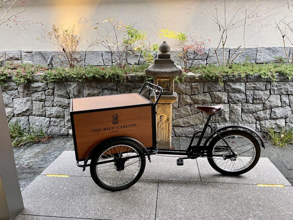ザ・リッツ・カールトン京都にある自転車の置物