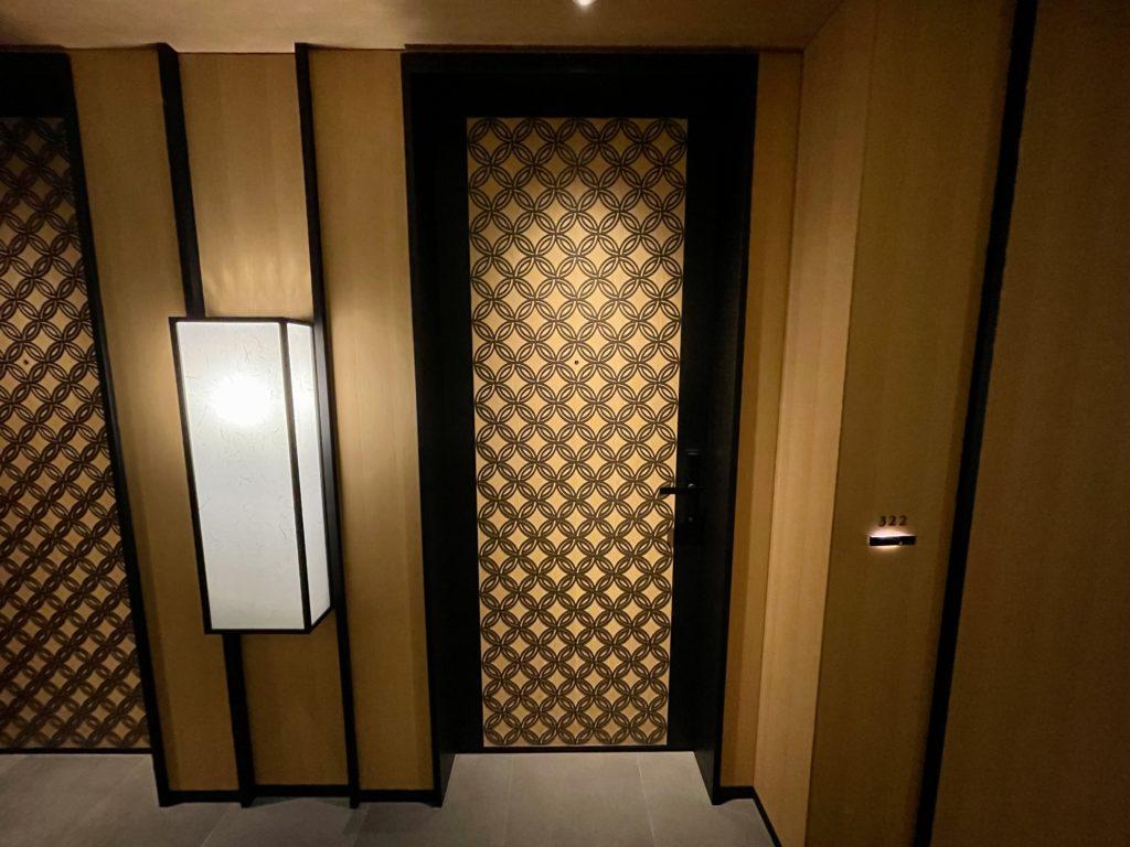 リッツ・カールトン京都の客室入り口