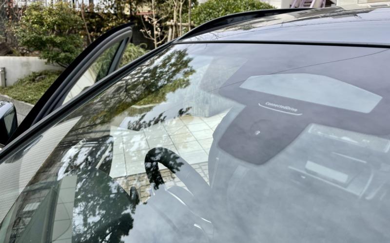 BMW320dツーリングの3眼カメラ