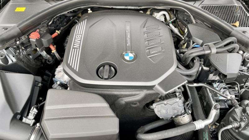320dツーリングのエンジンルーム