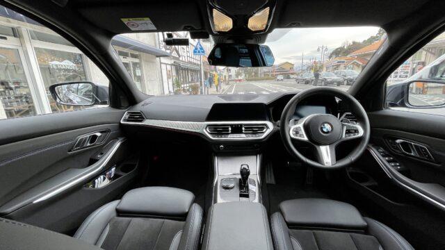 BMWハンズオフができるコックピット