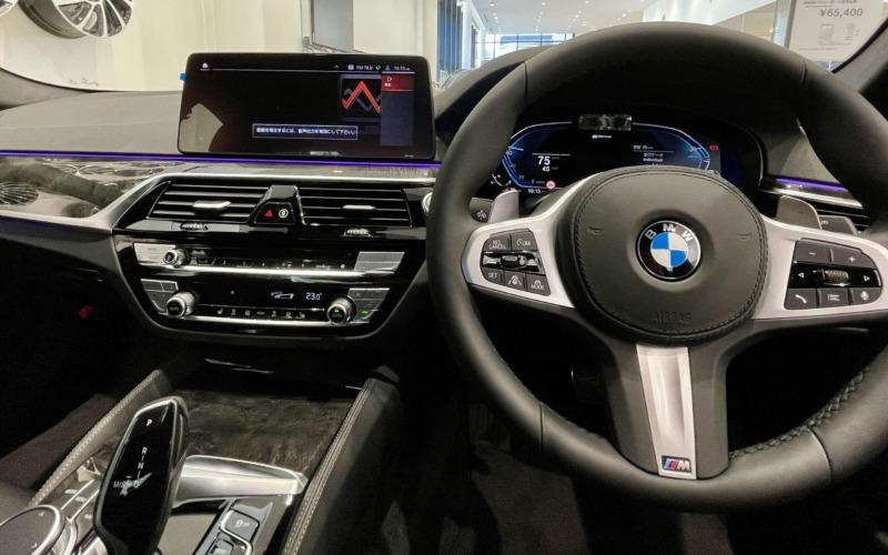新型BMW530e Mスポーツの内装2