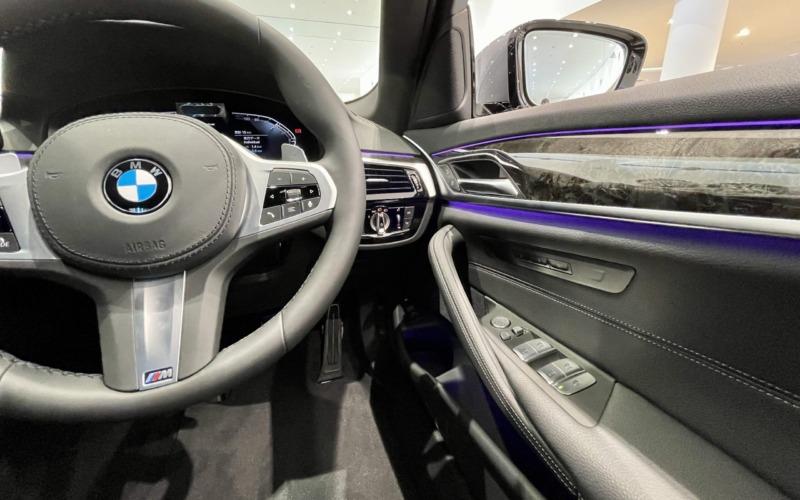 新型BMW530e Mスポーツの内装3