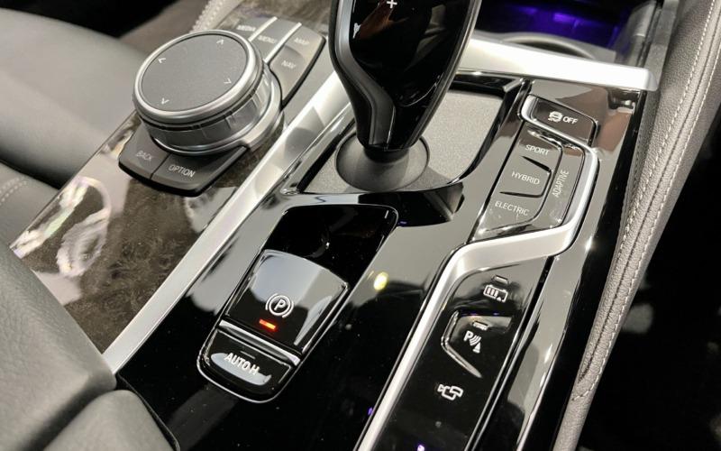 新型BMW530e Mスポーツの内装4