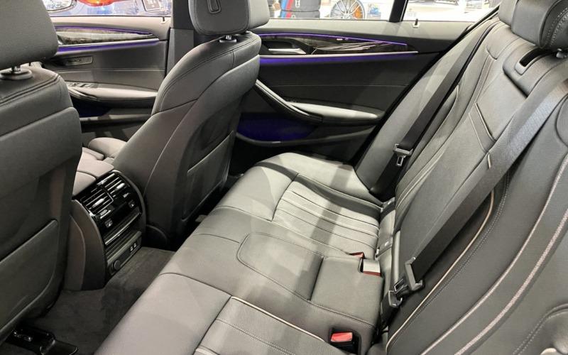 新型BMW530e Mスポーツの内装5