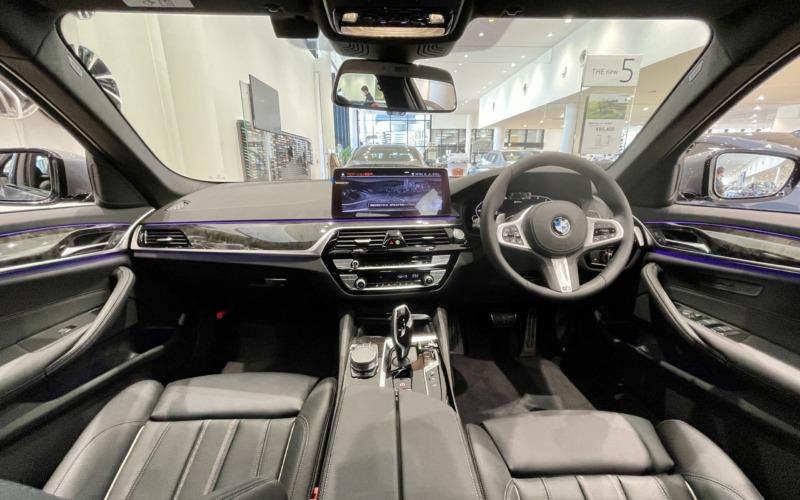 新型BMW530e Mスポーツの内装1