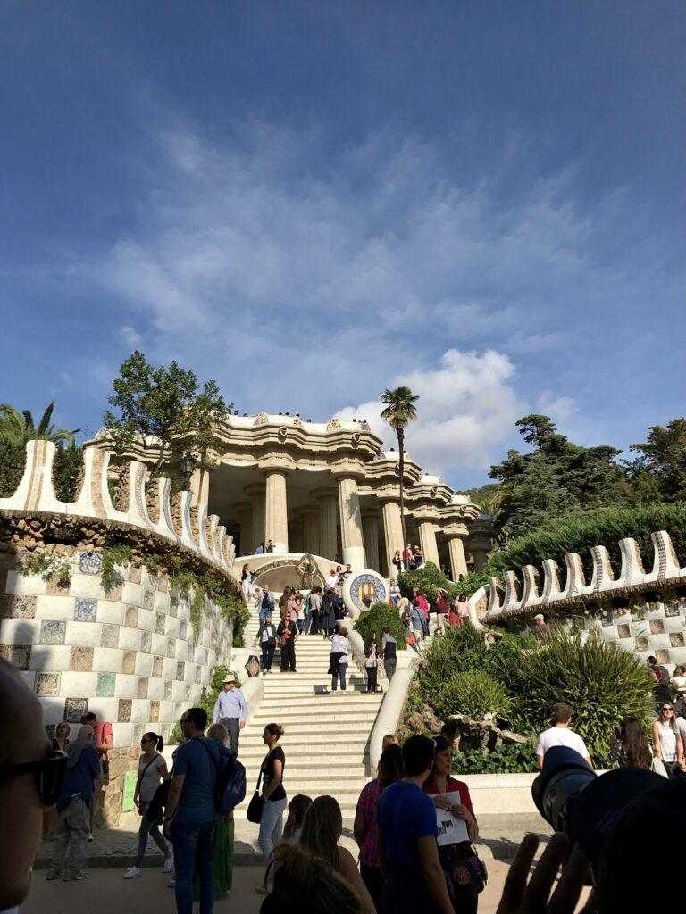 バルセロナで楽しめるガウディ建築5グエル公園1