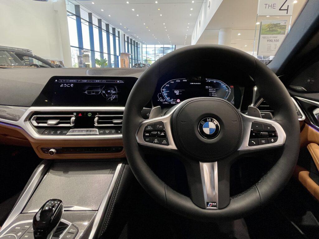 新型BMW M440i xDriveのインテリア コックピット周り