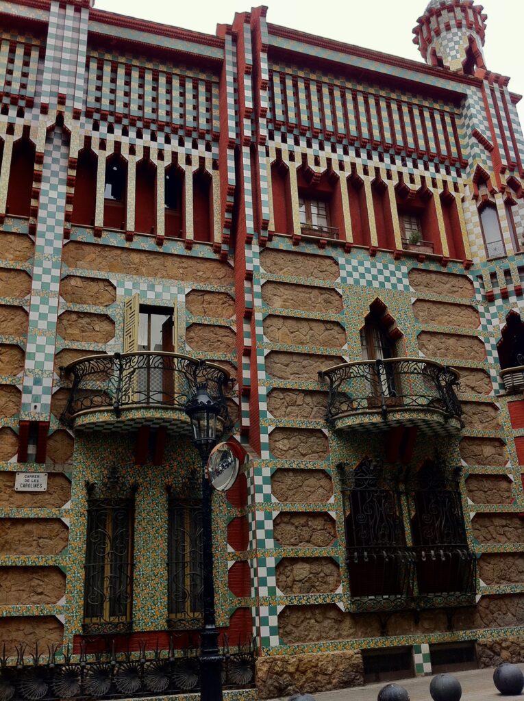 バルセロナで楽しめるガウディ建築5選カサ・ビセンス−1