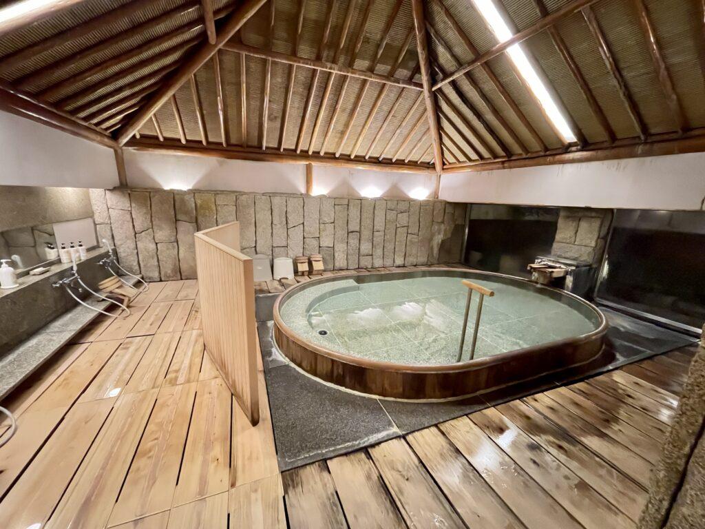 嵯峨沢館の貸し切り予約制のお風呂