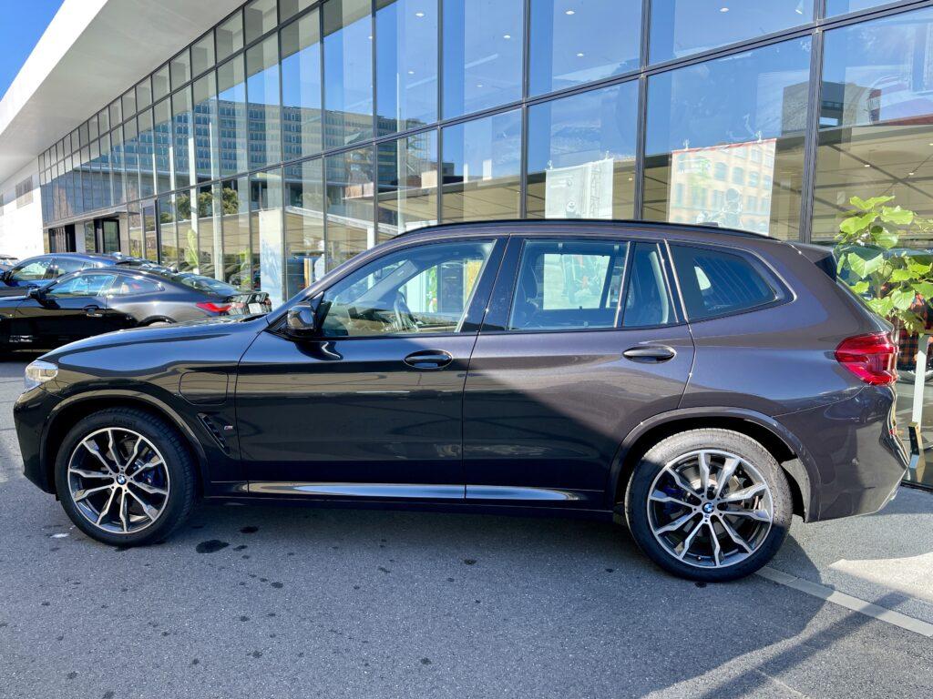 BMW X3のサイドビュー