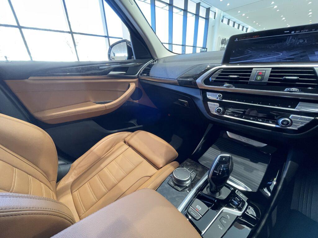 BMW X3の助手席周辺