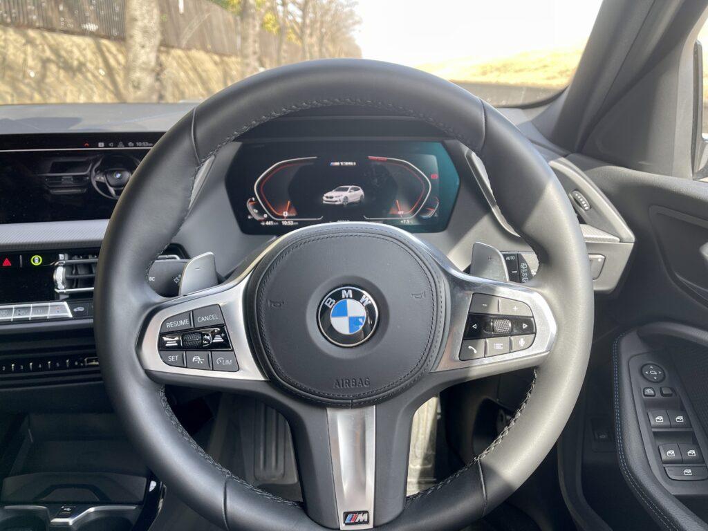 新型BMW M135i xDriveの内装 コックピット周辺