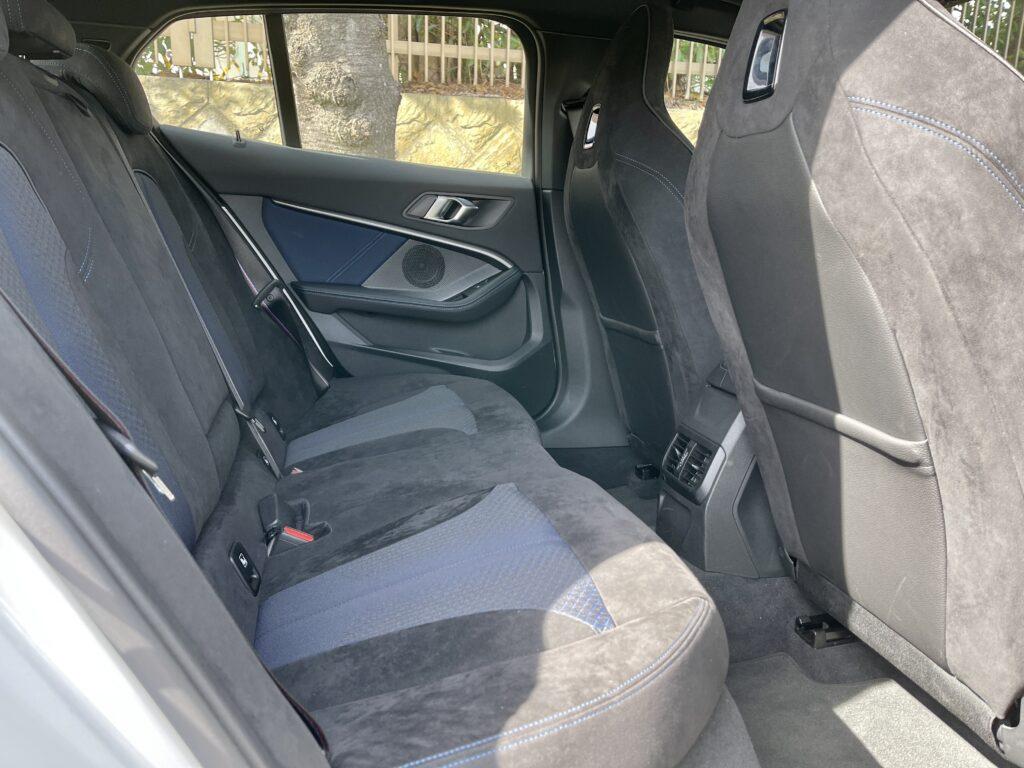 新型BMW M135i xDriveの内装 リアシート