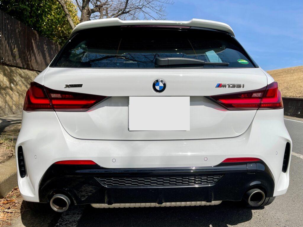 新型BMW M135i xDriveの外装 リアビュー